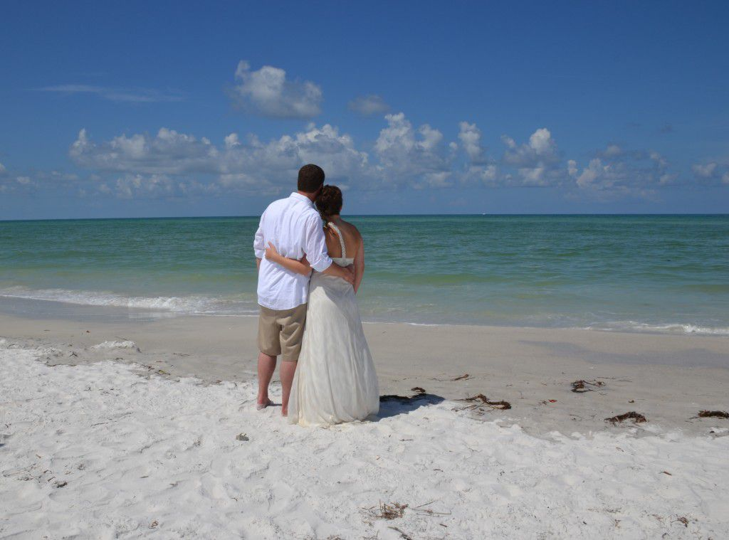 Diana and Chris take one final look at Siesta Key Beach before heading on the road to Jacksonville.