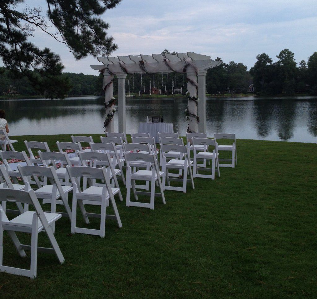 Outside wedding at Golden Eagle Country Club in Tallahassee, FL.