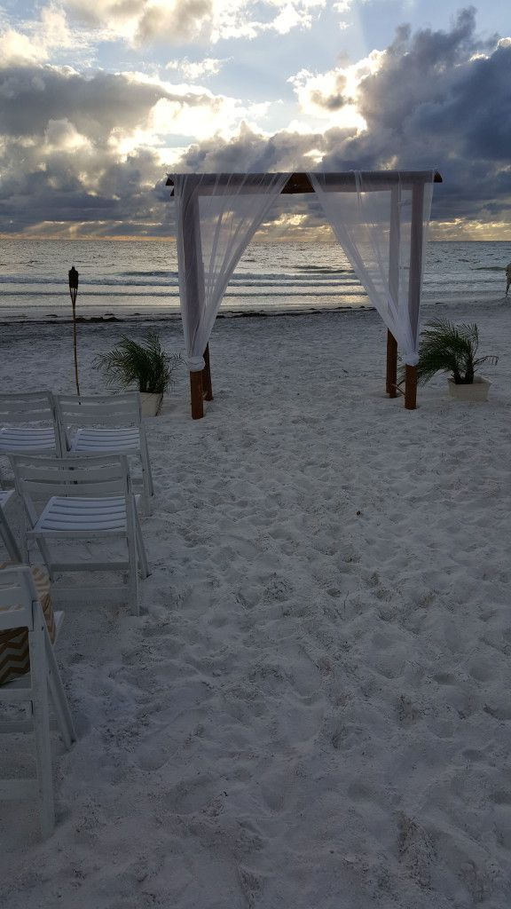 Beautiful Honeymoon Island wedding ceremony setup.