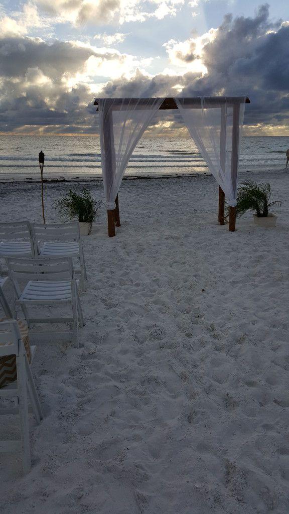Beautiful Honeymoon Island wedding ceremony setup.