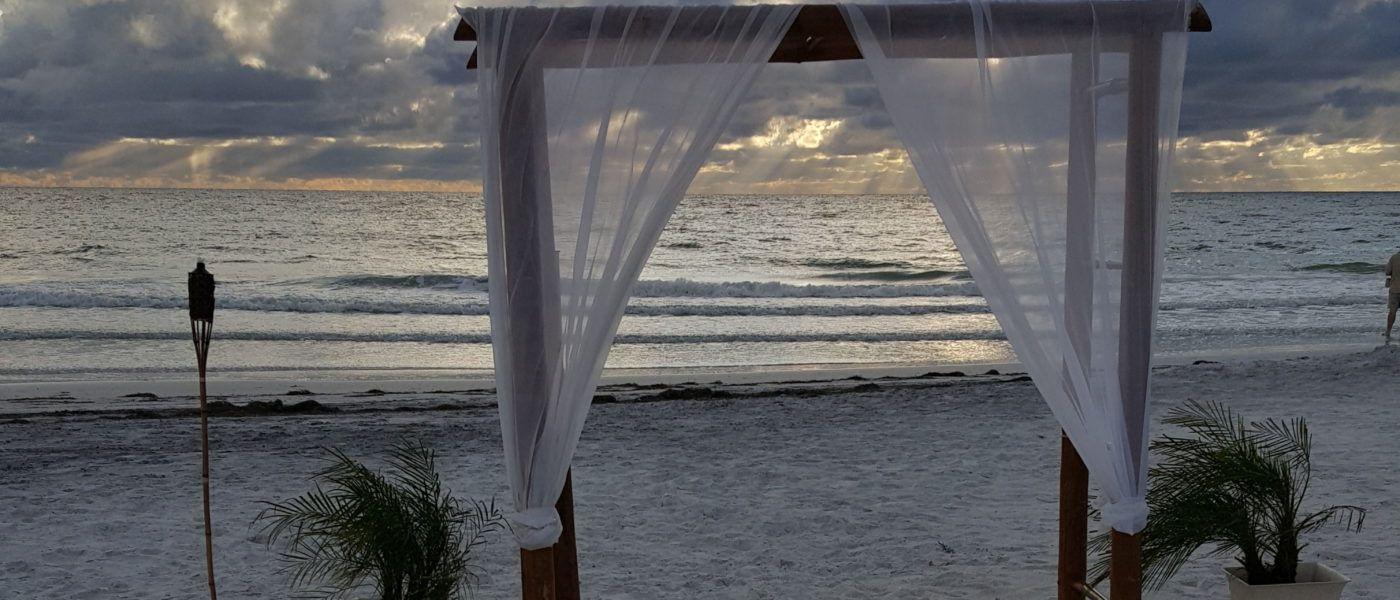 Stunning Beach Wedding Ceremony Ideas: Florida Beach Wedding Ceremony Ideas