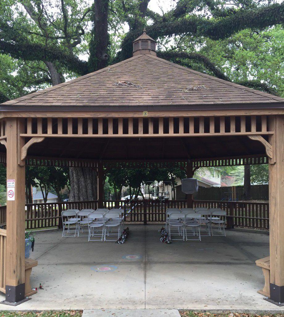 Large gazebo for wedding in Tallahassee