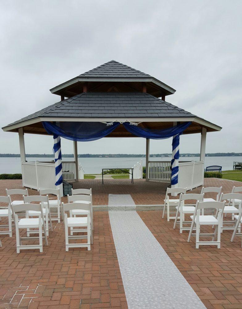 Wedding Ceremony at Veteran's Memorial Park in Oldsmar